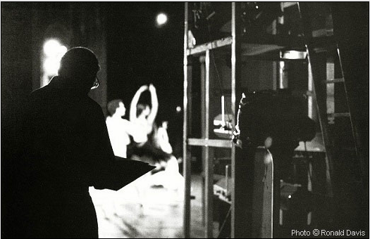 Stanley Roseman drawing in the wings of the stage of the Paris Opera. Photo © Ronald Davis