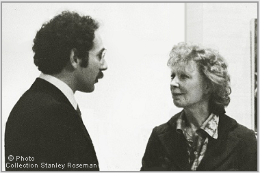"Stanley Roseman and Gwen Verdon at the opening of the exhibition ""Stanley Roseman - The Performing Arts in America,"" Library and Museum for the Performing Arts, Lincoln Center, 1977. © Photo Collection of Stanley Roseman"